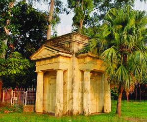 Greek Mausoleum in DU TSC