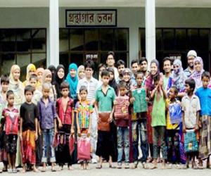 BAU students distribute clothes