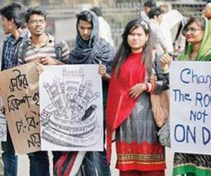 DU students protests metro rail route