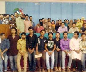 54 JU students get scholarship