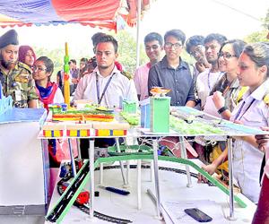 Robot contest held at MIST