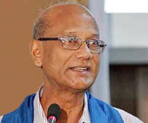 Nahid at an education seminar